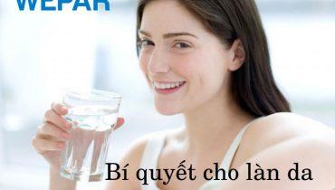 Hướng dẫn uống nước đúng cách để có làn da đẹp chống lão hóa